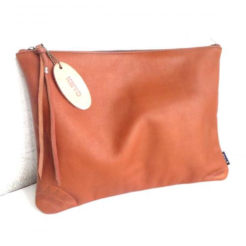 LEATHER CLUTCH BAG   BRN