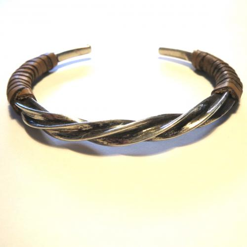 TWISTED BANGLE  with leather   sample